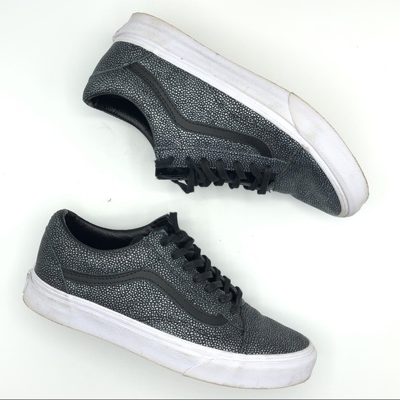 febd03f7fffeef Vans old Skool Embossed stingray black sneakers. M 5aca883a1dffda2545fa70c7